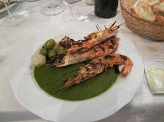 Villa San Michele : Prawns and the fabulous green pesto sauce