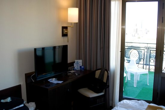 Hotel HCC Regente: Номер с террасой.