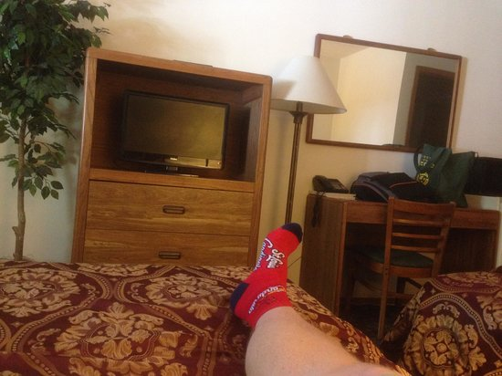 Shady Acre Motel : picture taken from first bed