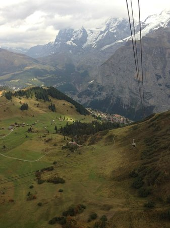 Hotel Eiger: Cable car from Murren up to the Schiltorn
