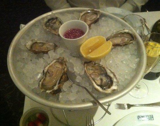 Le Cafe Anglais: Fines de Claires oysters