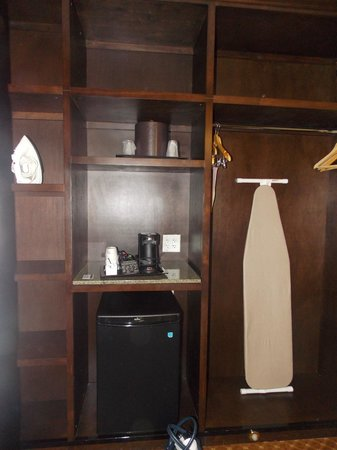 ALO Hotel: good size refrigerator
