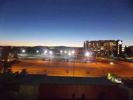 ALO Hotel: LA at dawn