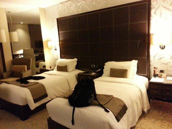 Pullman Bangkok Grande Sukhumvit: Comfortable beds in the roomy space