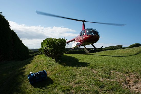 Heletranz Helicopters: Pick up from the winery on Waiheke