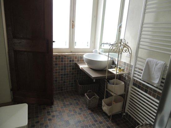 Tenuta Santo Pietro : Malvasia Bathroom