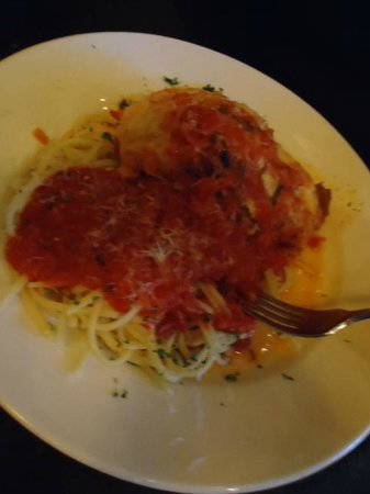 Mutu's Italian Kitchen: Chicken Parmigiana , very good