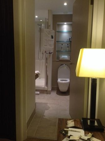 Staybridge Suites London - Stratford City: badkamer