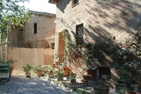 Le Pietre Vive di Montaperti: Entrada para o apartamento