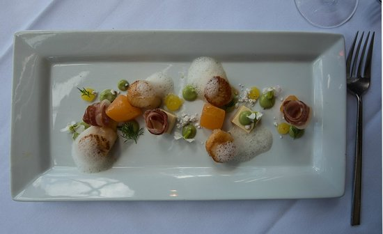 Mudbrick Vineyard & Restaurant : Scallops with compressed mellon