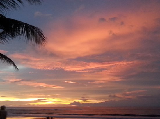 Bali Garden Beach Resort : beautiful sunset