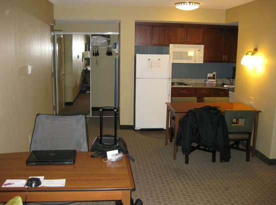 Residence Inn Baltimore Downtown/ Inner Harbor : RM 1503 - Kitchen