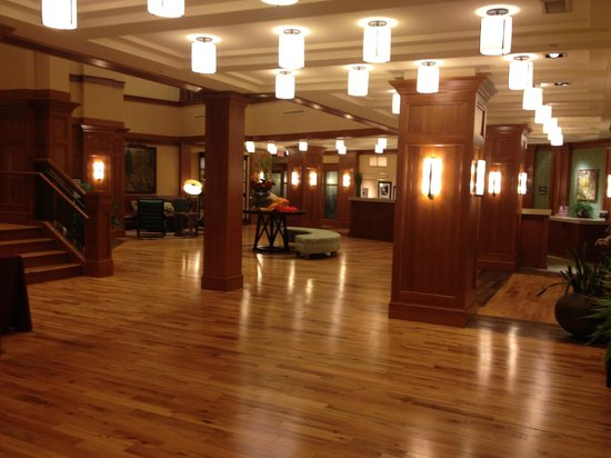 Hampton Inn & Suites Saratoga Springs Downtown : Lobby