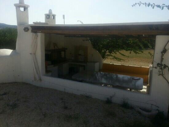 Maria's Village : tavernetta esterna per grigliare