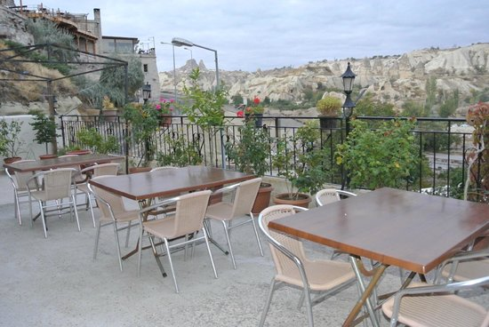 Guven Cave Hotel : balcony