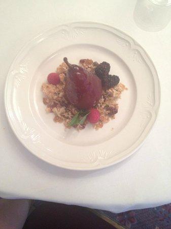 Fairmont Hotel Vancouver: Cinnamon Pear dessert. Soooo good!