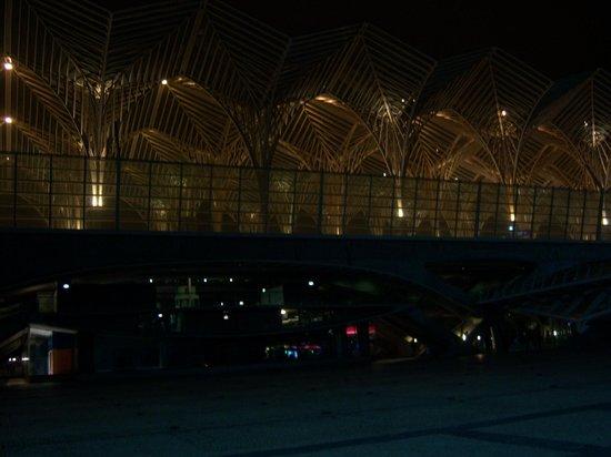 Tivoli Oriente Hotel : Gare do Oriente a noite