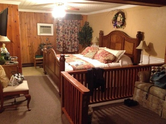 Hemlock Inn: Part of our lovely suite