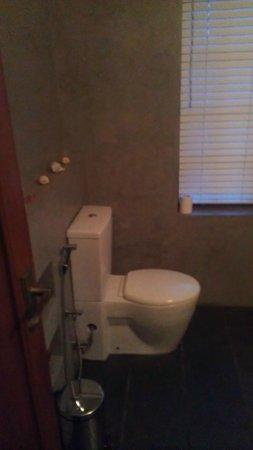 Elephant Stables: Bathroom