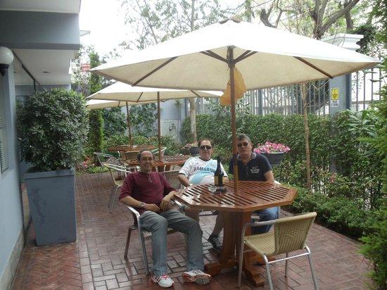 Hotel Runcu Miraflores: Varanda da frente
