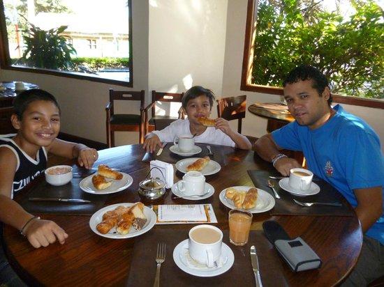 Hotel Saint George : desayunando...