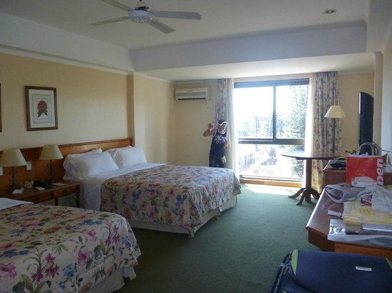 Hotel Saint George: amplia habitacion