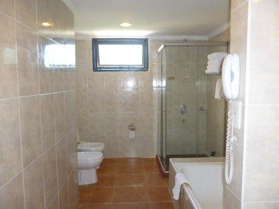 Hotel Saint George : baño impecable