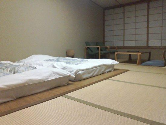 Laforet Resort Shuzenj: 布団を敷いた状態