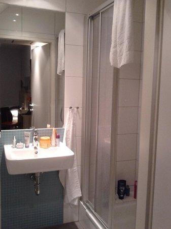 MEININGER Hotel Wien Downtown Franz: The bathroom