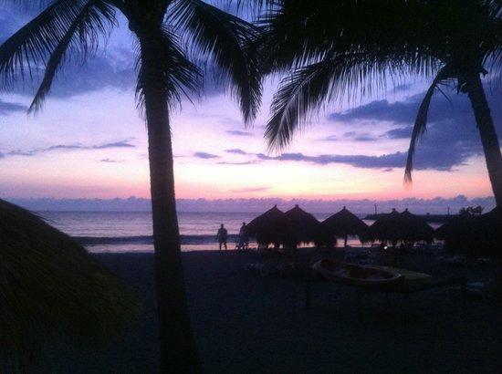 Hotel Villa Varadero: Sunset desde la alberca hacia la playa