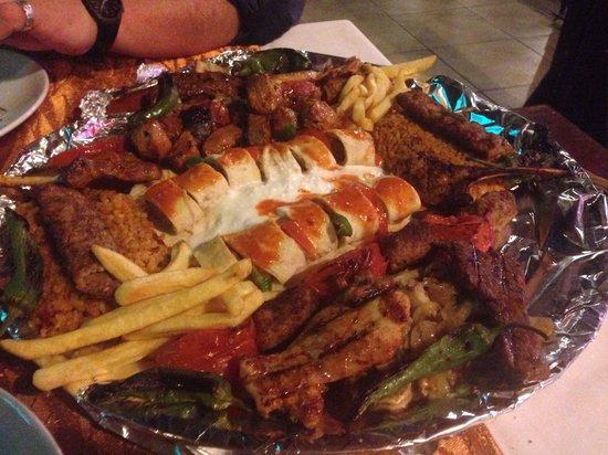 Saray Zetas Restaurant : The platter for 2