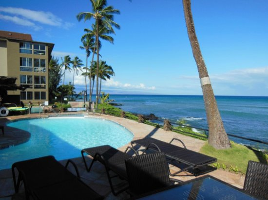 Noelani Condominium Resort : View from pool, just steps from our suite