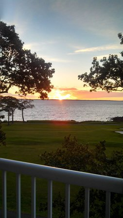 Samoset Resort On The Ocean : Our first Sunrise from the bedroom!
