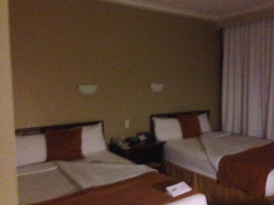 Hotel Quito: Room