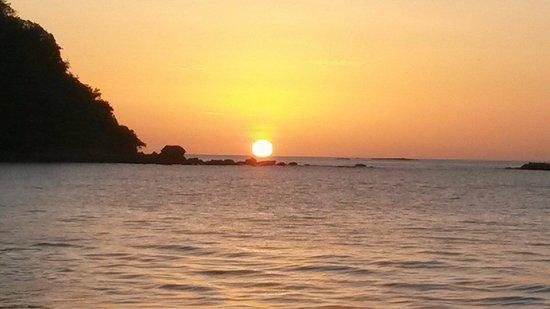 Ecoplaya Beach Resort: Great sunset @ Playa Rajada