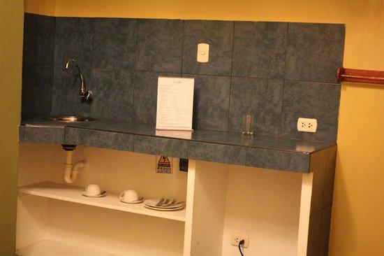 Suites Larco 656 : Cocineta