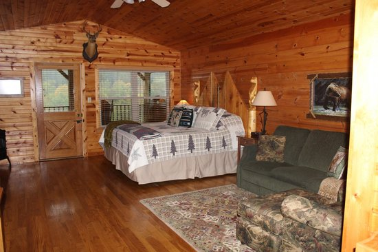 Kickapoo Valley Ranch Guest Cabins: What a neat cabin!
