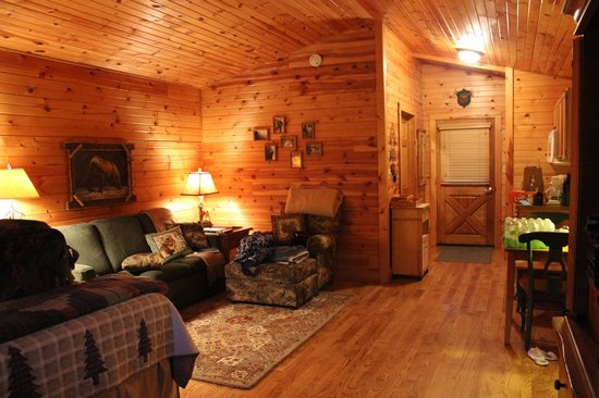 Kickapoo Valley Ranch Guest Cabins: The living area