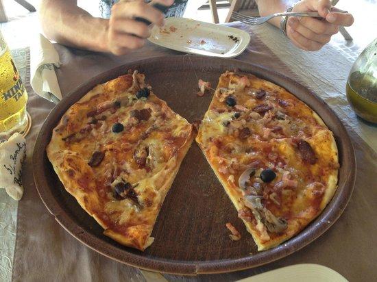 La Bounty : Extra large pizza
