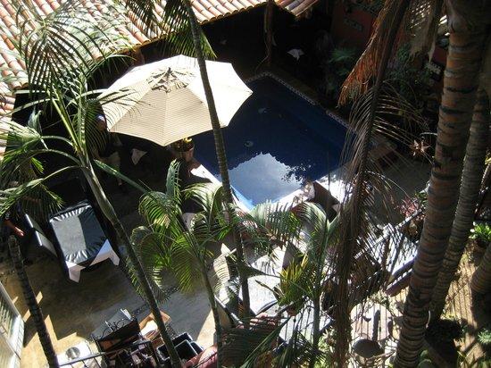 Salvatore's Italian Restaurant: Located in the courtyard of Siesta Suites Hotel