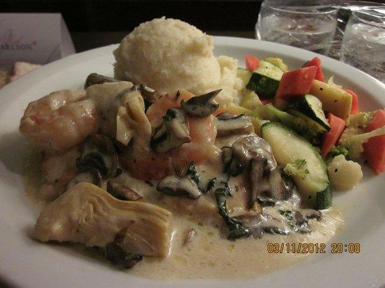 Park Inn: Food via room service