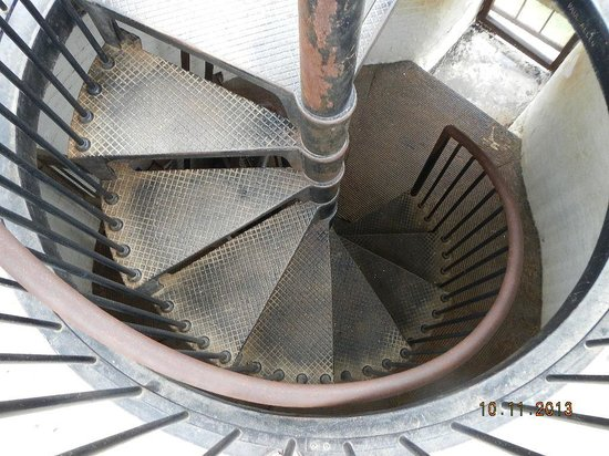 Cape Henry Lighthouse: staircase 191 steps