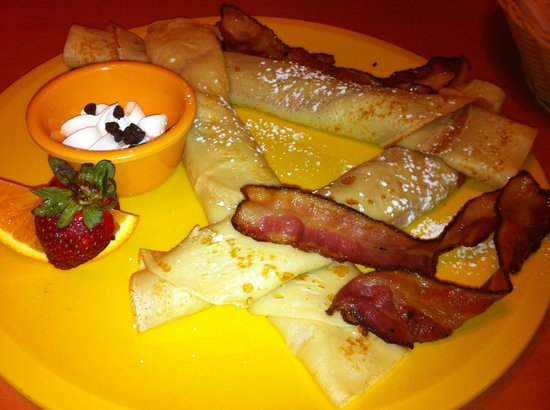 Eggstyle: Traditional Crepes with bacon