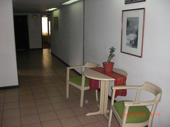 San Agustin Riviera Hotel: Pasillo del 6to piso frente al ascensor