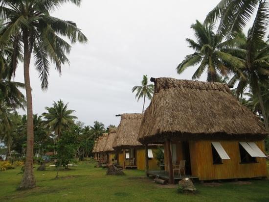 Caqalai Island Resort : fales at caqalai