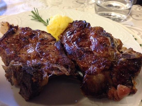 Ristorante Il Pozzo: grilled Cinghiale