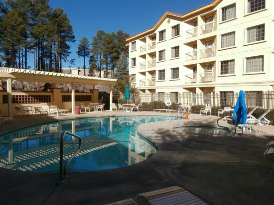 La Quinta Inn & Suites Flagstaff: Pool & Hot Tub