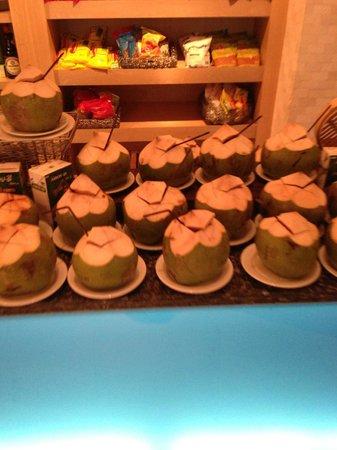 Renaissance Phuket Resort & Spa: Breakfast coconut