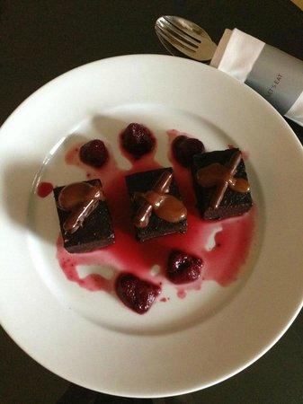 Renaissance Phuket Resort & Spa: Chocolate mud cake
