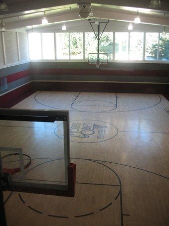 Basketballroller Skate Picture Of Cove Haven Resort Lakeville - Skate court flooring